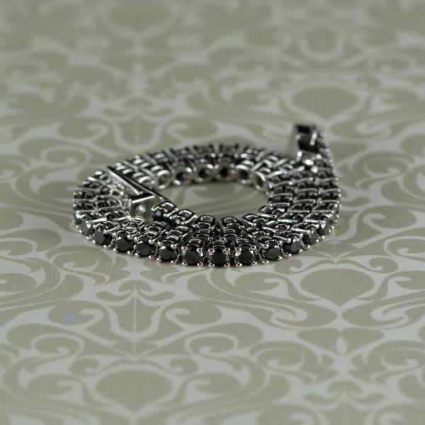 Bratara de 6,85 grame aur alb 18k cu diamante negre