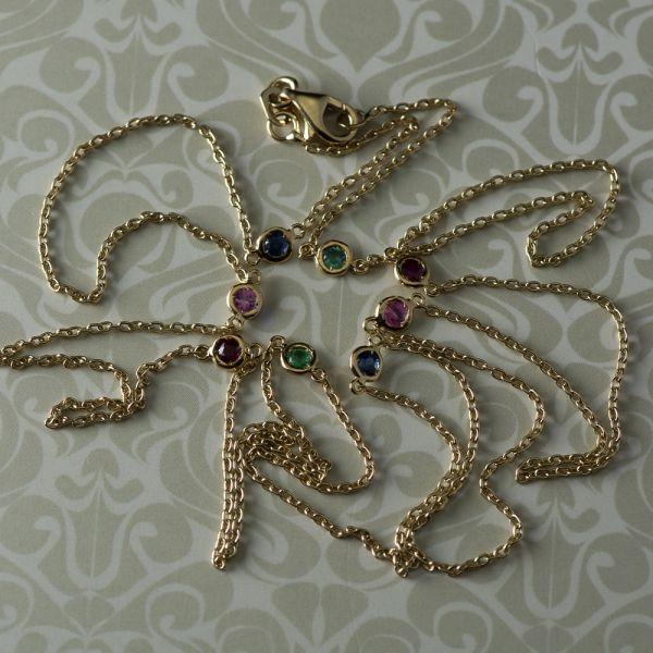 Lant din aur galben cu smaralde, rubine si safire, 3,35 grame