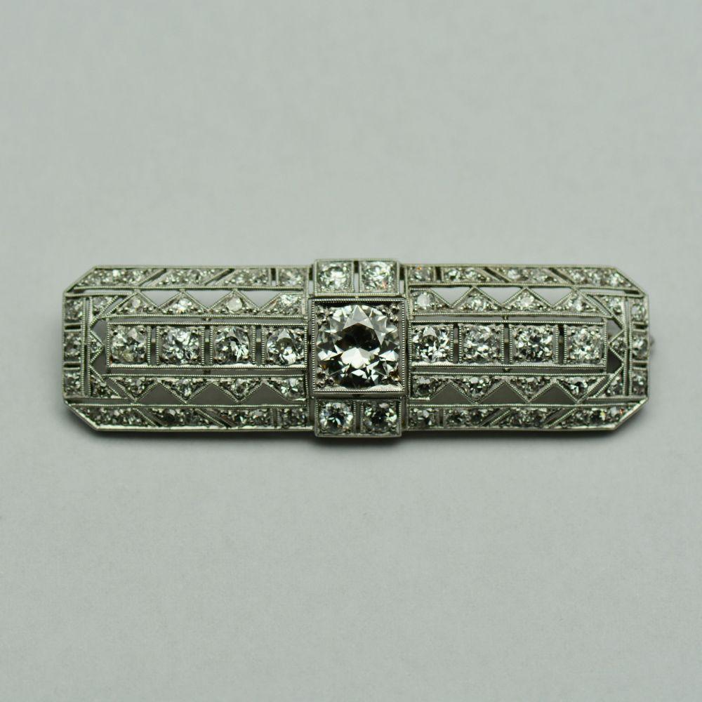 Brosa din aur alb cu diamante rotunde