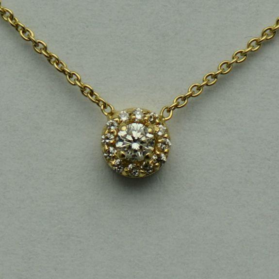 Lant si pandantiv din aur galben cu diamante