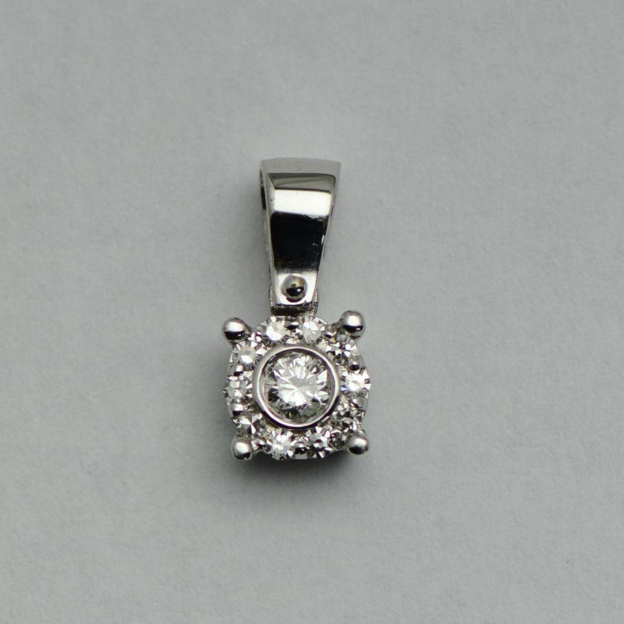 Pandantiv aur alb 18k cu diamante rotunde