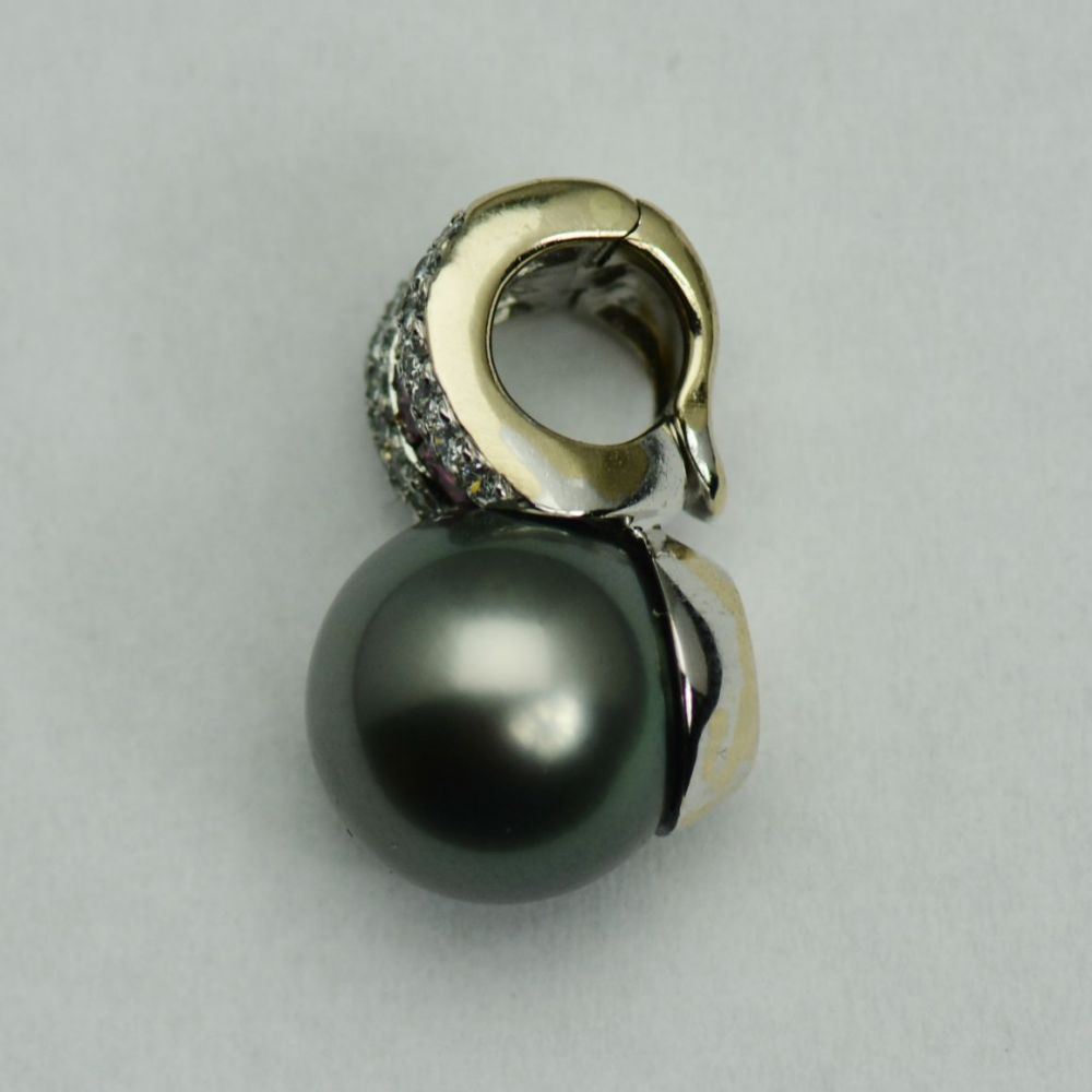 Pandantiv din aur alb 18k cu rubine,diamante si perla Tahiti