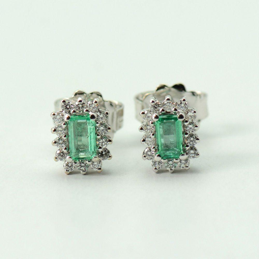 Cercei din aur alb cu diamante si smaralde