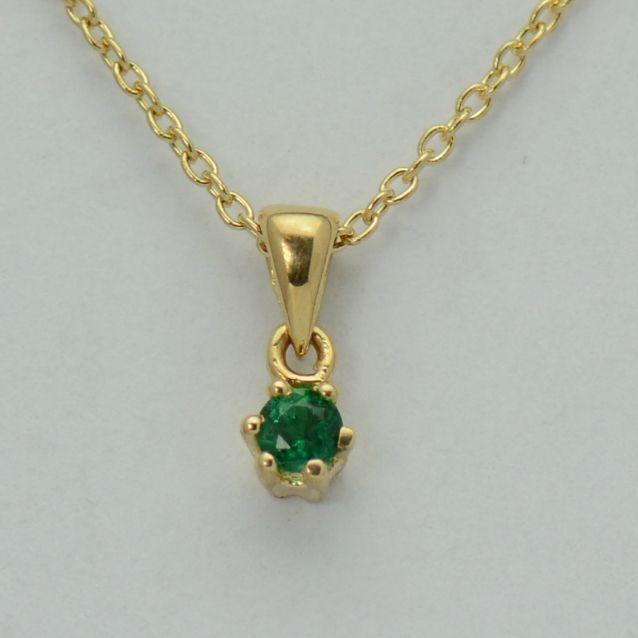 Lant cu pandantiv, aur galben 18k cu smarald