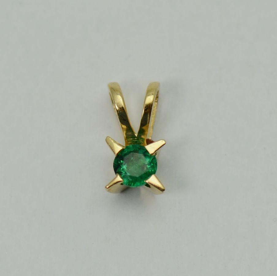 Pandantiv aur galben 18k cu smarald