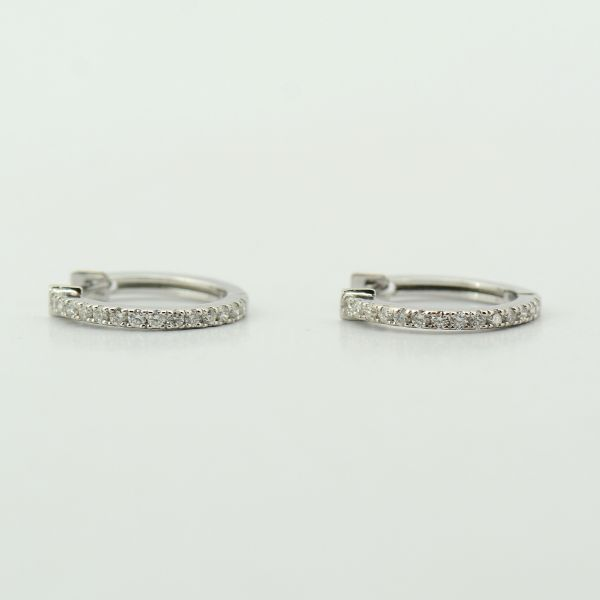Cercei cu diamante din aur alb 18 k