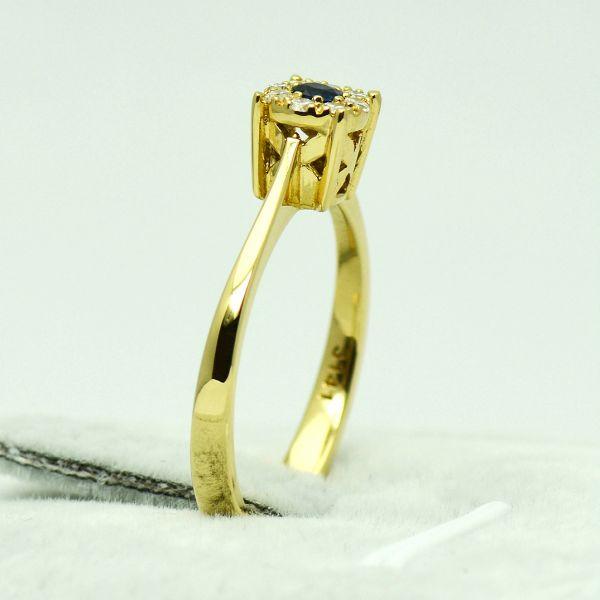 Inel de aur galben cu safir si diamante