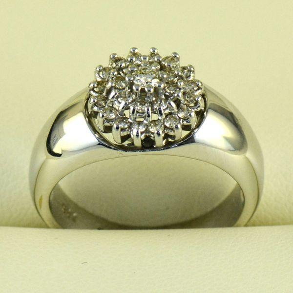 Inel din aur alb cu diamante rotunde