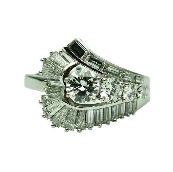 Inel cu diamante din aur alb 18k