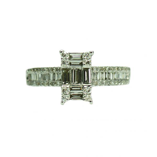 Inel de aur alb cu diamante rotunde si bagheta
