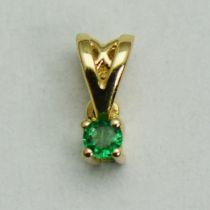 Pandantiv aur galben cu smarald